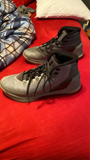 Steph Curry basketball shoes size 9 for Sale in Sioux Falls, SD