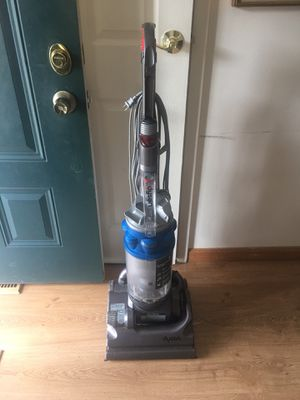 Dyson vacuum cleaner for Sale in MONTGOMRY VLG, MD