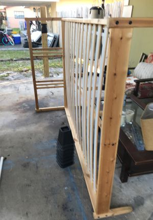 Bed frame ikea Good condition ,no mattress for Sale in Pompano Beach, FL