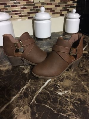 Girls boots new for Sale in Fort Pierce, FL