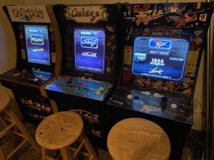 I got 3 arcade games in really good condition They work perfect... they're a little smaller than the original ones there like 5 feet... asking 680 fo for Sale in Los Angeles, CA