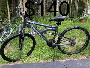 Mongoose mountain bike 26 inch for Sale in Eau Claire, WI