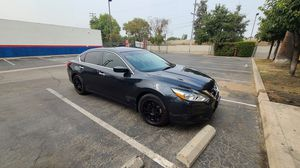 Altima 2017 with 38 thousand miles. for Sale in Porterville, CA