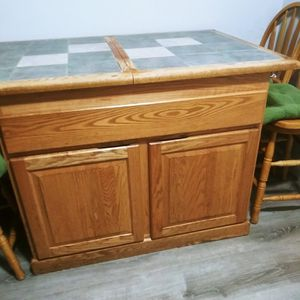 Island kitchen with 4chairs for Sale in Worcester, MA