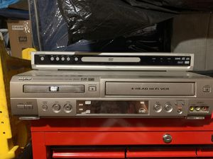 DVD player and video cassette recorder for Sale in Pearland, TX