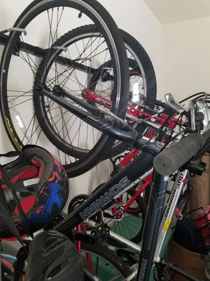 2 adult and 2 kids bikes for Sale in Riverview, FL