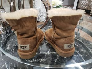 UGG BOOTS GIRLS TODDLER for Sale in Pharr, TX