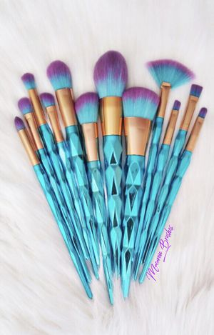 Blue diamond set!! 16 brushes 💜💎 for Sale in Las Vegas, NV