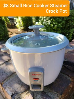 $8. FIRM ON PRICE Works perfectly. Small Rice Cooker Crock Pot LOCATED in RANCHO CUCAMONGA CALIFORNIA NO DELIVERY AVAILABLE for Sale in Alta Loma, CA
