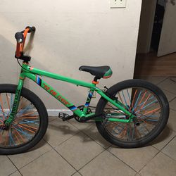 So Cal Flyer Maxis Pro max Breaks Se Pegs Spoke Skins Light One Of Lights Don't Work Easy 5 Dollar Fix for Sale in Stockton, CA
