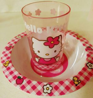 HELLO KITTY DISH SET for Sale in Vancouver, WA
