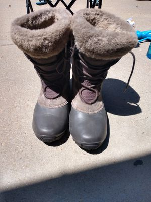 Women's Columbia Snow Boots Size 10 for Sale in Parker, CO