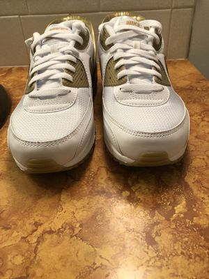 Nike Air Max 90 Flyease White Metallic Gold Shoes CU0814-100 Men's Size 11 for Sale in Wichita, KS