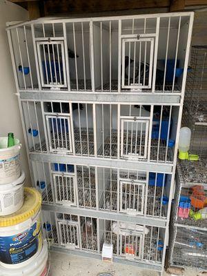 torre de aluminio de 8 huecos con sus comederos grandes y bebederos automáticos 100% funcional for Sale in Orlando, FL