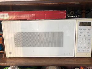 Good microwave for Sale in Los Angeles, CA
