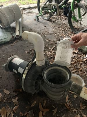 Pool Pump broken (For parts) for Sale in Bradenton, FL
