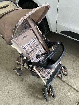 Stroller with 2 replaceable tables for Sale in Denver, CO