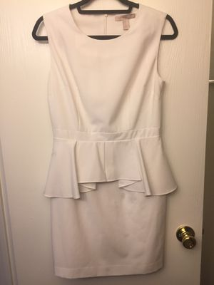 White dress Medium size for Sale in Tempe, AZ