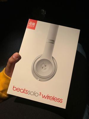 Beats Solo 3 Wireless Silver BRAND NEW for Sale in Anaheim, CA