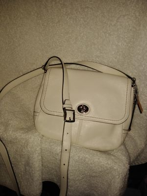Coach Off White Cross Body for Sale in Lawrenceville, GA