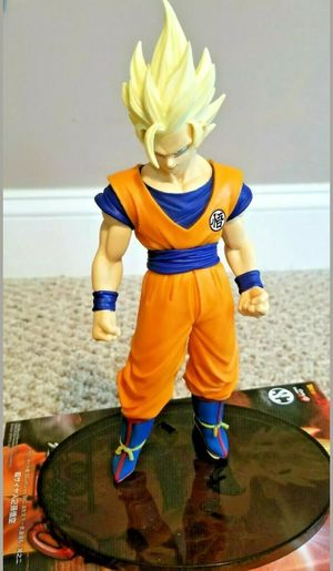 Dragon ball Z goku 7' Statue for Sale in Los Angeles, CA