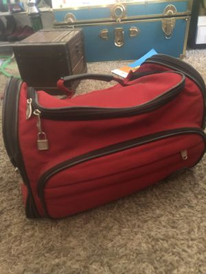 Olympia expanding red duffle bag for Sale in Tempe, AZ