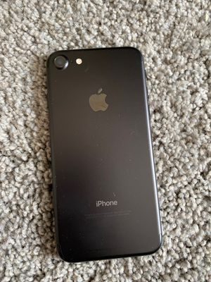 iPhone 7 unlocked good condition for Sale in District Heights, MD