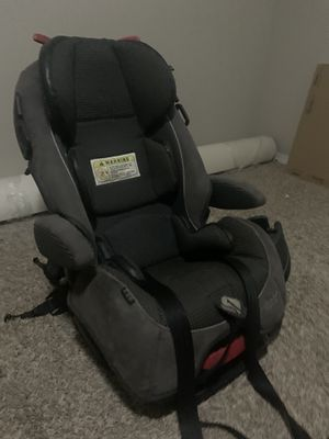 Alpha Elite 65 - 3 in 1 convertible car seat with cup holder for Sale in Jenks, OK