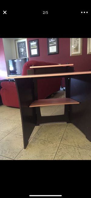 Kids Desk for Sale in San Bernardino, CA
