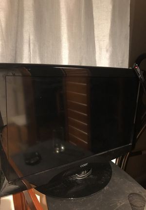Perfect 32 inch tv works great comes with remote! for Sale in Portland, OR