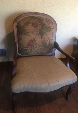 1 Large antique chair for Sale in Hayward, CA