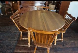 Kitchen table with 7 chairs and 2 leafs for Sale in Rocky Mount, NC