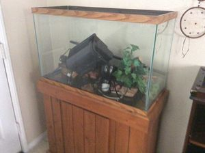 Nice clean fish shake tank or bird for Sale in Murrieta, CA