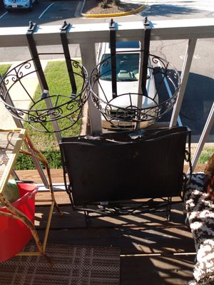 2 rail hanging plant basket 5 H 10 W for Sale in Alexandria, VA
