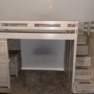 Twin Size Wooden Bunk Bed for Sale in Marietta, GA