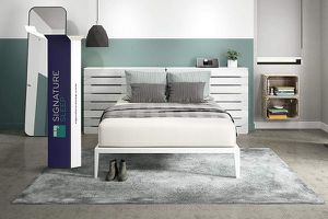 New in box 12 inch king size memory foam mattress signature sleep brand 275$ for Sale in Galloway, OH