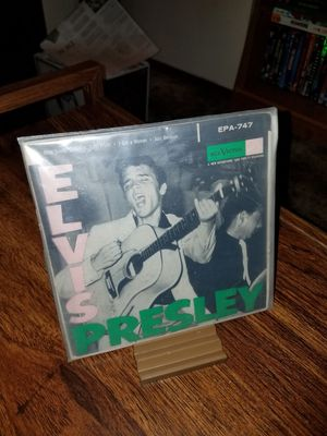 Very Rare Near Mint Vinyl Record and Cover, Elvis Presley RCA Victor EPA-747 for Sale in Tumwater, WA