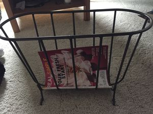 Crate n Barrel Magazine Rack for Sale in Glendale Heights, IL