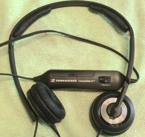 SENNHEISER PXC250-ll TOP-OF-THE-LINE HEADPHONES for Sale in Virginia Beach, VA