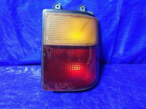 OEM 1989 1990 1991 1992 1993 1994 1995 MAZDA MPV PASSENGER RIGHT TAIL LIGHT for Sale in Miami Gardens, FL