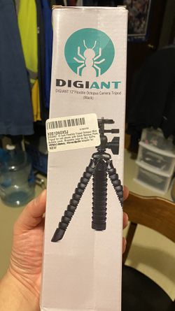 "Digiant 12"" Flexible tripod for cell phones. Works great. for Sale in Seattle,  WA"