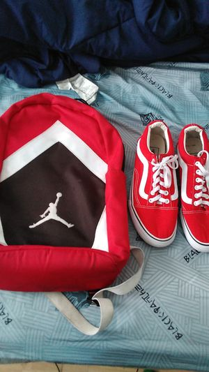 Vans good condition size 9.5 in us/Jordan bookback good condition/ only do meetups for Sale in Lawrenceville, GA