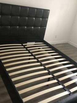 Queen Bed Set for Sale in Los Angeles,  CA