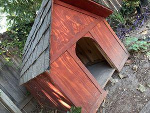 CUSTOM DOG HOUSE STURDY HEAVY DUTY for Sale in Stockton, CA