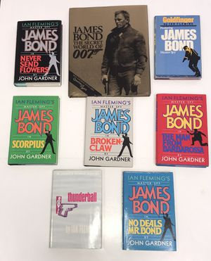 Vintage James Bond 007 Books and Coffee Table Book all for $25 for Sale in Port St. Lucie, FL