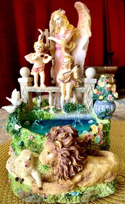 Beautiful fantasy table water fountain w music H8xW6xD6 inch Lbs 2.4 for Sale in Chandler,  AZ