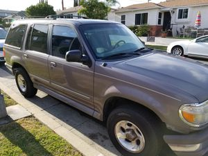 Ford explorer xlt for Sale in Los Angeles, CA