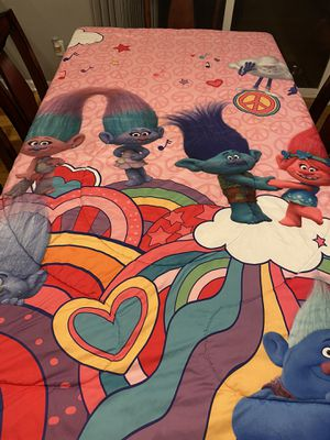 Twin size trolls sheet set and comforter for Sale in Portland, OR
