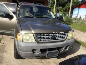 2004 Ford explore gonna need brakes and a battery don't have time to fix it 3000 or best offer I start set up every day for Sale in Bradenton, FL