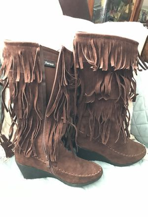 Brn leather boots w fringe for Sale in Mexico Beach, FL